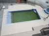 solado-piscina-marmol-compac