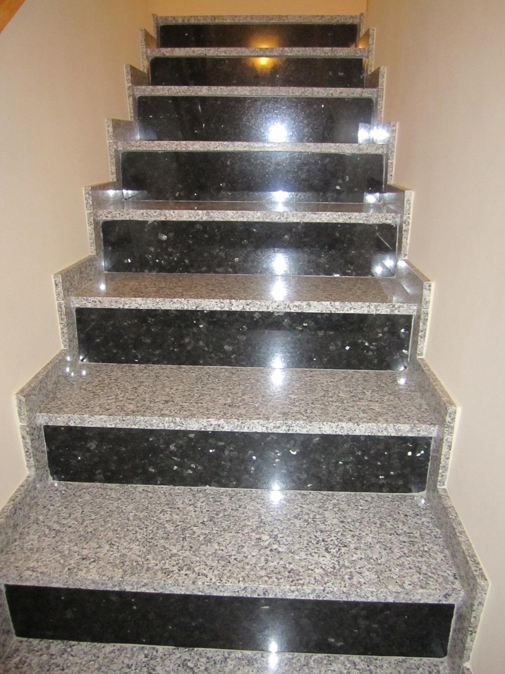 Solados y alicatados eduardo cuevas montaje de escaleras for Escaleras de marmol y granito